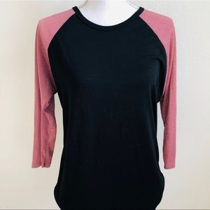 🖤🌸Black and Pink top🌸🖤